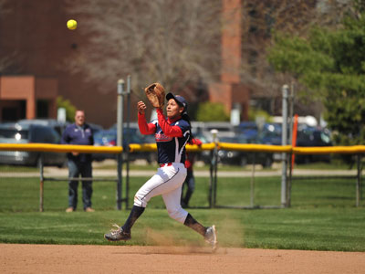 Photo of KCC Cavaliers Softball's Erin Gaston pitching, link to softball page